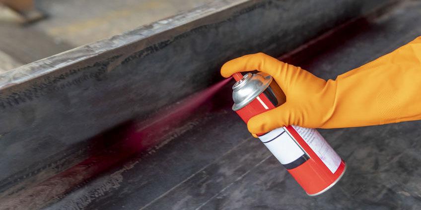 通过渗透检测非多孔性材料的表面开口缺陷